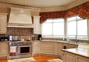 badezimmer günstig renovieren eckfenster gardinen und vorhänge