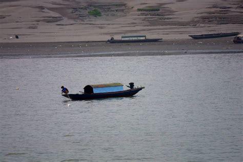 Small Fishing Boat Pics by Small Fishing Boat