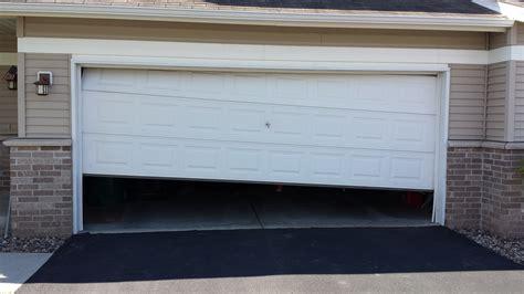 Things To Consider Before Replacing Garage Door Panels