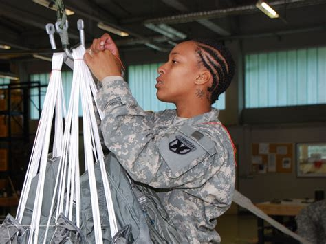 AFRICAN AMERICAN REPORTS: Army lifts ban on dreadlocks for ...
