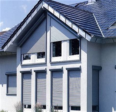 Rolladen Für Dachfenster Nachrüsten by Sonderformen F 252 R Schr 228 Ge Fenster Rolladen Markisen
