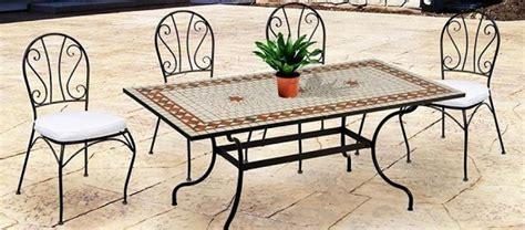 tavoli e sedie da giardino in ferro tavolo da giardino consigli per la scelta
