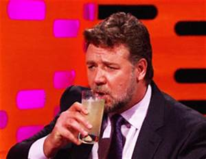 Funny Animated Gif: Russell Crowe Funny Animated Gif