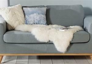 Peau De Mouton Maison Du Monde : plaid fourure plaid en fausse fourrure blanc 130 x 170 cm ~ Teatrodelosmanantiales.com Idées de Décoration