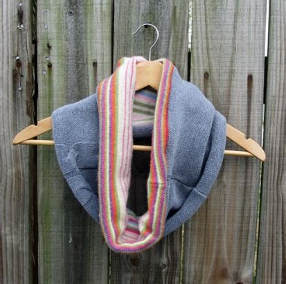 upcycled sweater cowl diy