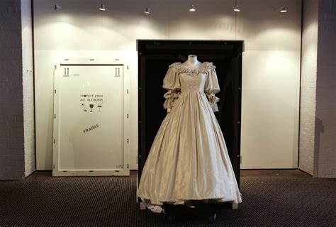 story  princess dianas wedding dress revealed