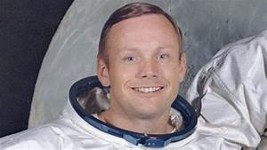US astronaut Neil Armstrong dies, first man on Moon - BBC News