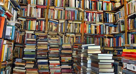 Libreria A Napoli by Napoli Apre La Libreria Dove Si Potra Dormire Tra I