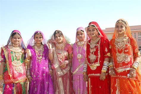 costumes  rajasthan womens attire costumes