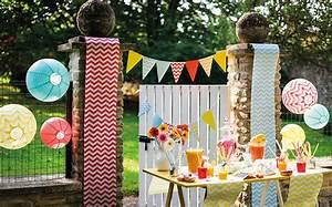 Lámparas de papel, globos y guirnaldas para decoración