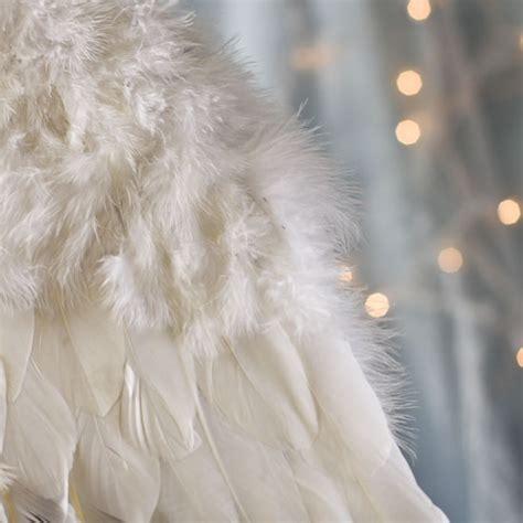 Tanaza Čuba:11 lietas par kurām vari lūgt Eņģeļu palīdzību.