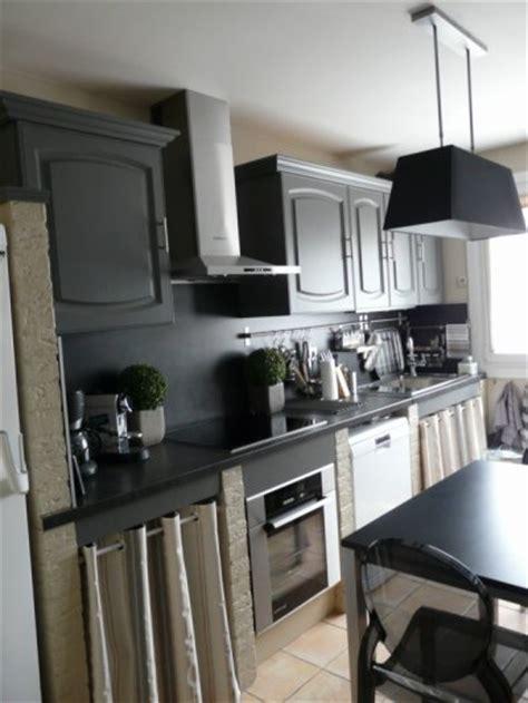 moderniser une cuisine en ch麩e relooker une cuisine rustique maison design bahbe com