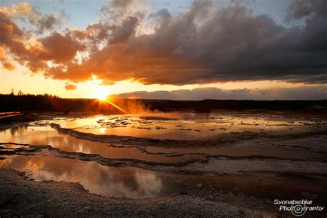 great fountain geyser yellowstone np wyoming usa