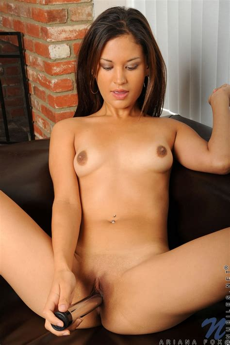 Ariana Fox Showing Her Sexy Body And Dildoing Her Pussy