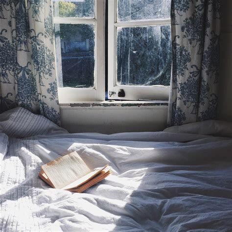 Cozy Bedrooms by How To Make A Cozy Inspiring Bedroom