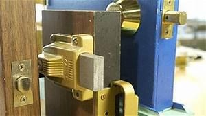 Remplacer une serrure de porte d39entree ginette charette for Remplacer serrure porte