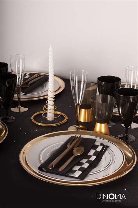 d 233 coration de no 235 l noir et or sur le th 232 me de gasby le magnifique une table de no 235 l avec de la