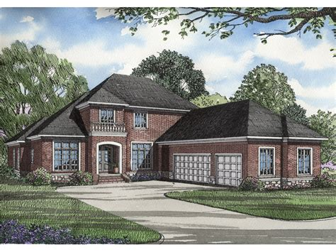 hip roof house plans to build hip roof house plans best of gable home design ranch