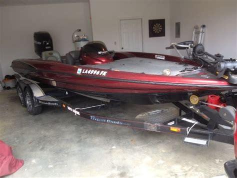 Center Console Bass Boats For Sale by 2001 Triton 200xp Center Console 2008 Mercury 225 Proxs