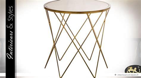 table bout de canapé en verre design bout de canapé rond design en métal doré et verre ø 60 cm