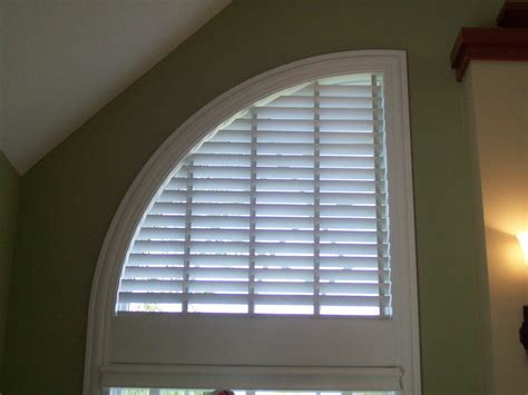 Arched Window Blinds by Wood Blind In Speciality Shade Quarter Window