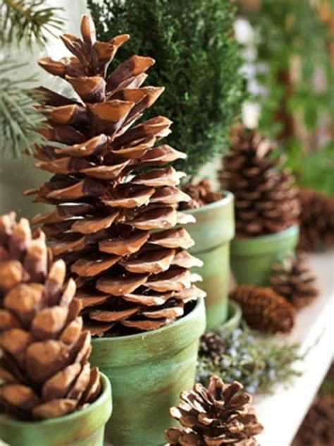 pinecone christmas decorations 55 awesome outdoor and indoor pinecone decorations for christmas digsdigs