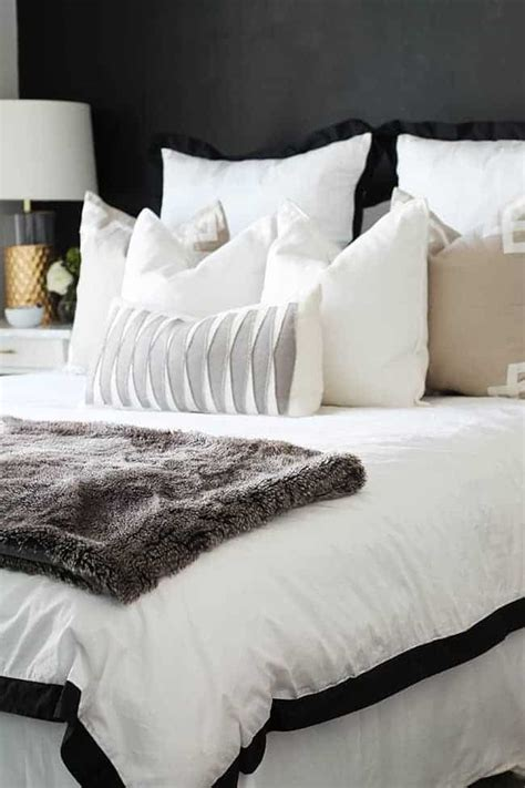 How To Your In Bed by How To Style A Bed 3 Ways Hello Glow