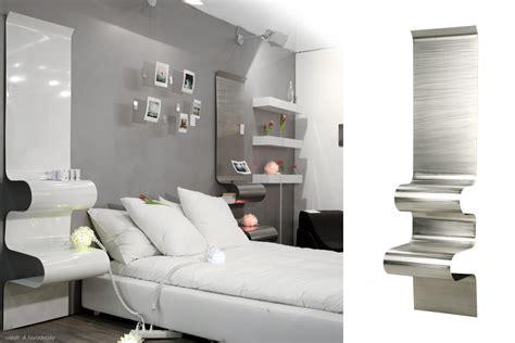 Mensole Comodino Comodino Mensola Ondulata In Alluminio Di Designer Julien