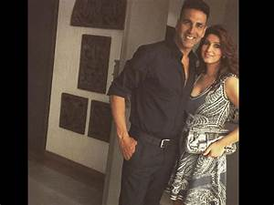 OH GOD! Twinkle Khanna Was NOT PLEASED When Someone ...