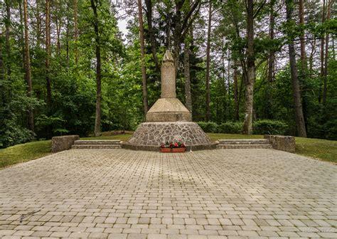 visitvilaka - Pieminekļi un piemiņas vietas