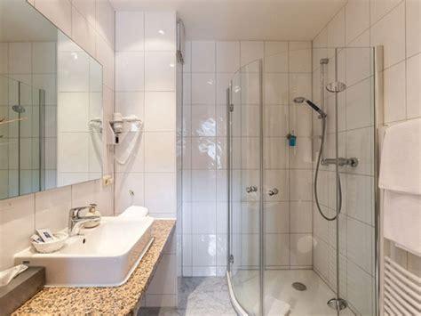 Kleines Bad Mit Ebenerdiger Dusche by Ausstattung Preise Hotel Stadtkrug