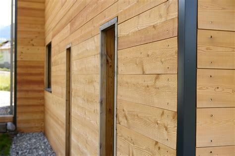 autoconstruction maison en bois cordes une famille d autoconstructeurs construit un superbe chalet bois bayrou la maison bois par