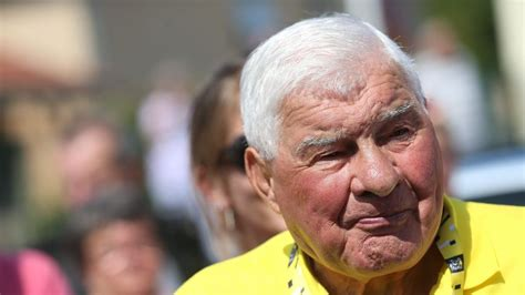 He left us this morning poulidor became the patriarch of a cycling family. Le cyclo-cross de Nommay rend hommage à Raymond Poulidor