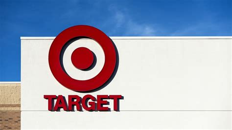 target site crashes  strain  cyber monday shoppers