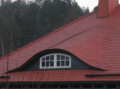 dachfenster einbauen genehmigung dachausbau vom profi dachgauben dachfenster einbauen