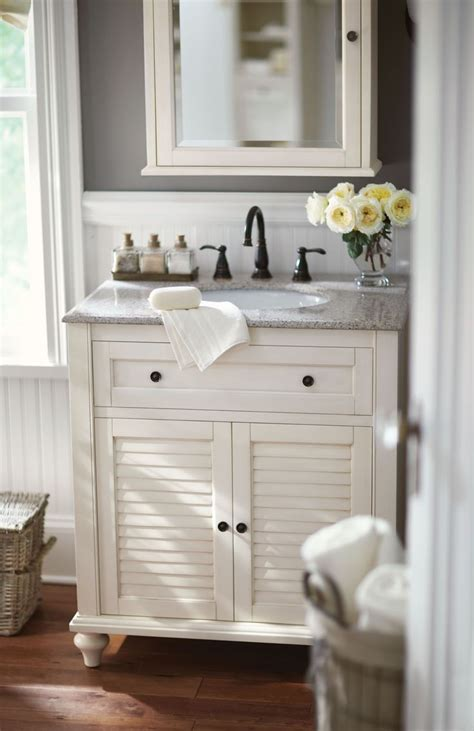 Small White Vanity by Best 20 Small Bathroom Vanities Ideas On Grey