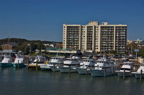 Great Buys On Great Neck Area Condos