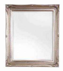Große Spiegel Mit Rahmen : spiegel mit klassischem silbernem rahmen ~ Michelbontemps.com Haus und Dekorationen