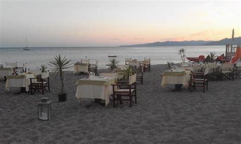bagni saraceno varigotti i tavoli sulla spiaggia bild fr 229 n ristorante bar al