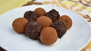How to Make Chocolate Truffles - Easy Dark Chocolate ...