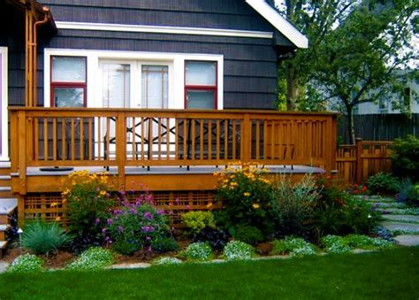 deck landscaping like the lattice under the deck