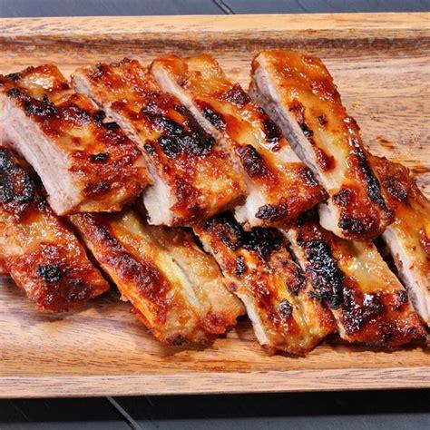 comment cuisiner du sanglier sans marinade recette recette travers de porc caramélisés ou quot ribs quot