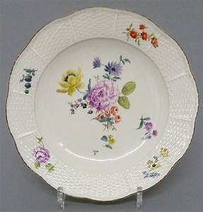 Porzellan Und Keramik : meissen barocker teller mit blumen dekor mitte 18 jahrhundert 24 cm meissen pinterest ~ Markanthonyermac.com Haus und Dekorationen