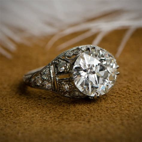 Artistic Engagement Ring Gallery - Pictures of Engagement ...