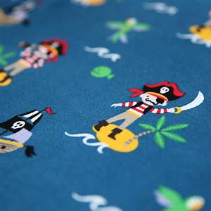 Günstig Stoffe Online Kaufen : jersey stoff piraten insel piratenschiff auf blau guenstiger ~ Orissabook.com Haus und Dekorationen