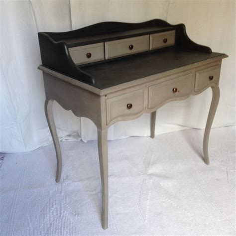 repeindre bureau bois repeindre un bureau en bois meubles peints au coeur de