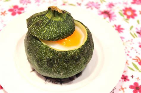 cuisiner la courgette ronde courgette ronde farcie comme un oeuf cocotte pour ceux