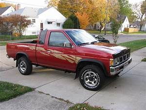 1996 Nissan Pickup - Pictures