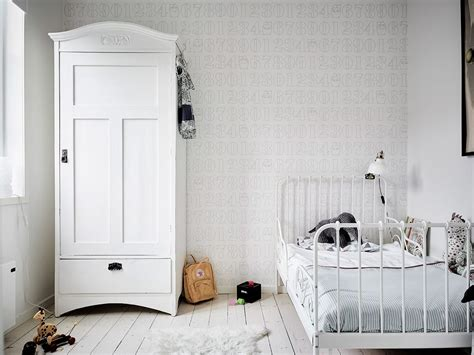 what does chambre in chambre d 39 enfant monochrome blanche