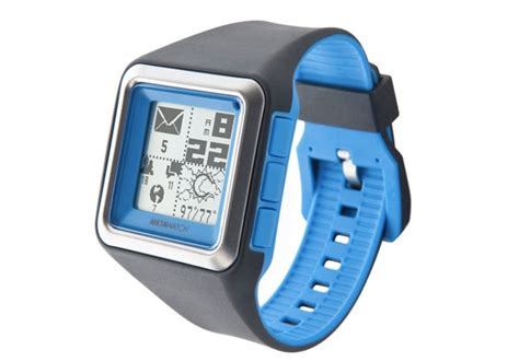 smartwatch that works with iphone metawatch strata smartwatch for iphone 4s and android